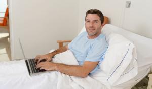 Een hospitalisatieverzekering na je pensioen: géén ver-van-mijn-bed-show
